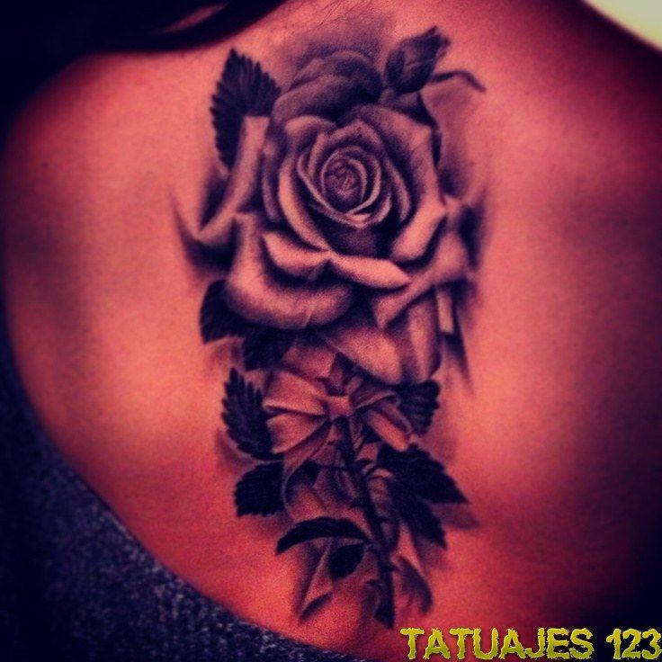 Rosas Negras En La Espalda Tatuaje Rosa Negra Tatuajes De Rosas