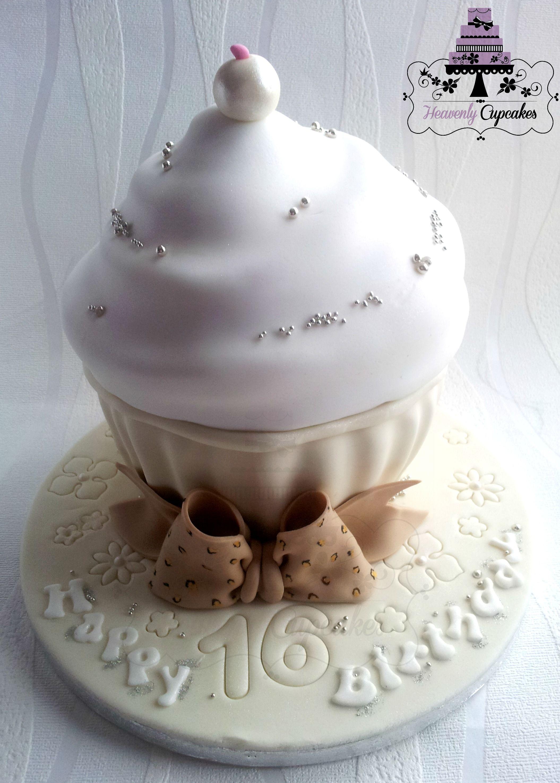 Giant cupcake big cupcake