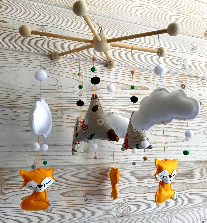 mobile renards et tipis, nuages et flocons, suspension de berceau