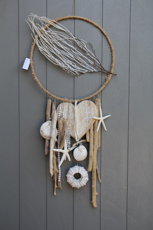 attrapes r ves ou mobile dans un esprit marin avec coquillage bois flott s gros c ur en bois. Black Bedroom Furniture Sets. Home Design Ideas