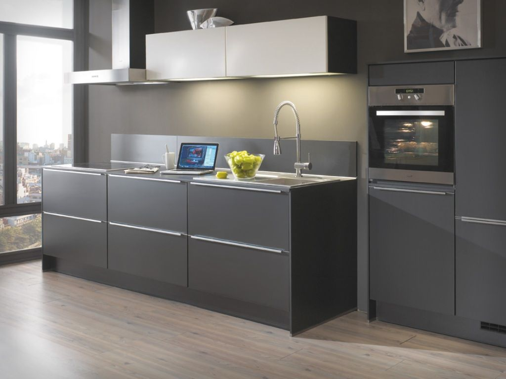 Gray shaker kitchen cabinets contemporary kitchen design Modern kitchen design ideas