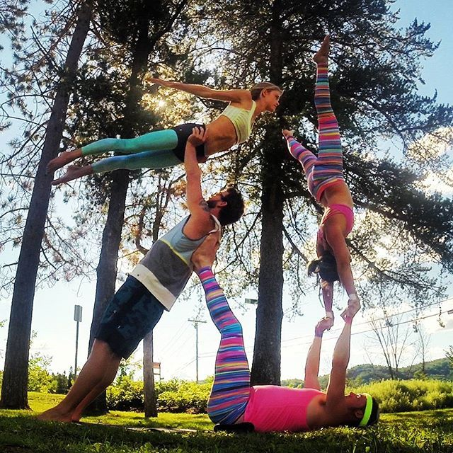 We had an awesome time at Wanderlust :) here's a fun group pose with the amazing @spartan_jf and @brebregibson   #Wanderlust #Tremblant #MontTremblant #WanderlustTremblant #AcroRevolution #Yoga #PartnerYoga #Circus #Acrobatics #PartnerAcrobatics #PartnerYoga #LoveMyDharmaBums #SmileyOm #Acroyoga #Balance #AcroyogaOttawa #Friends #Teamwork #FitCouple #Fitspo #Balance #Strong #Trust
