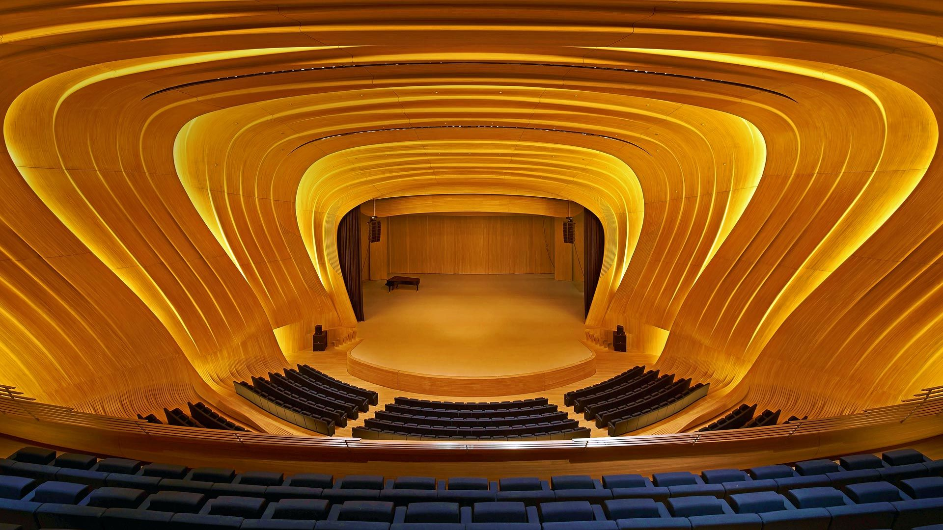 Concert Hall Of The Heydar Aliyev Center In Baku Azerbaijan C View Pictures Ltd Alamy 2015 12 03 Http Concert Hall Architecture Architecture Wallpaper
