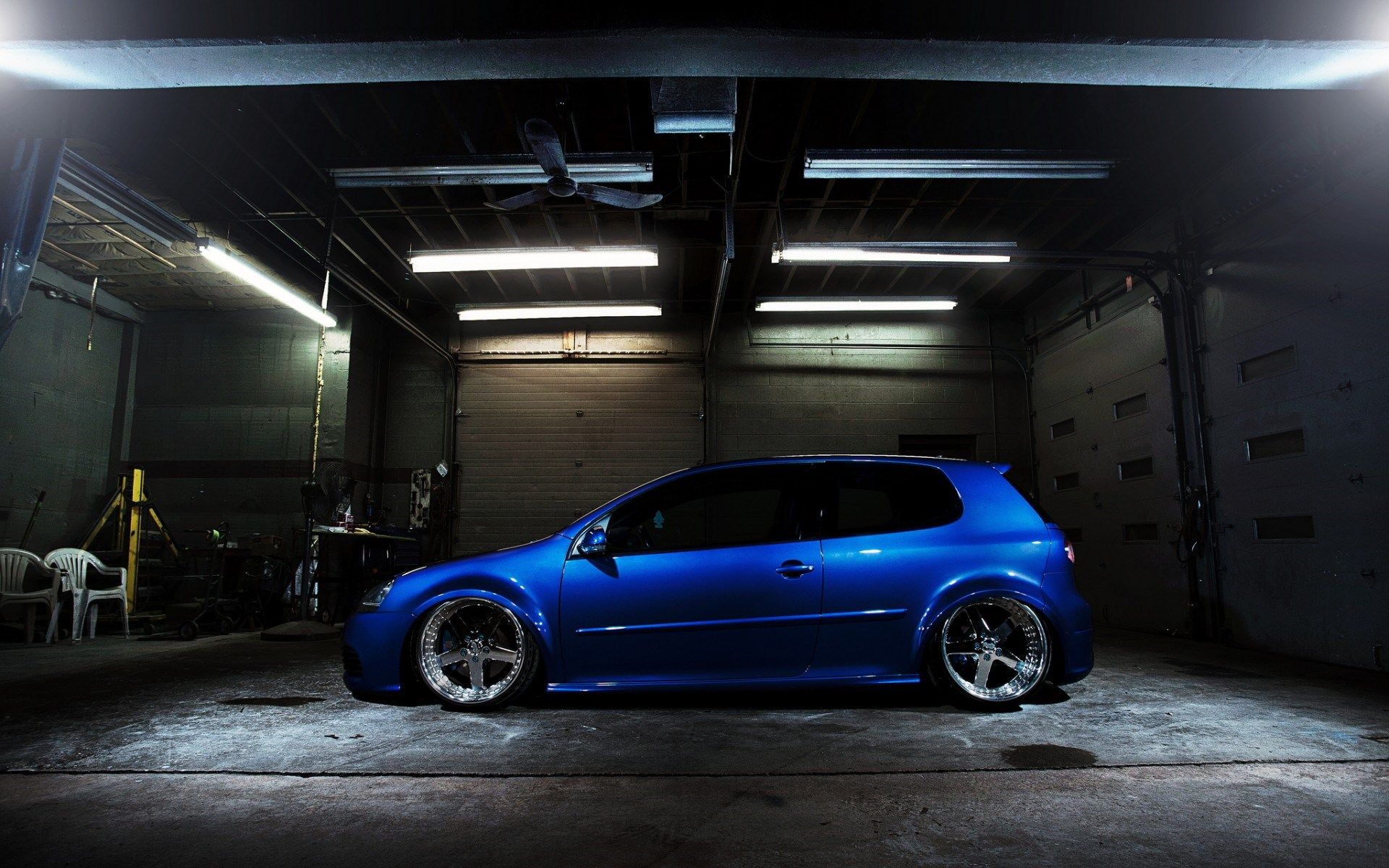 Volkswagen Golf GTI Garage Low Light Neons HD Wallpaper