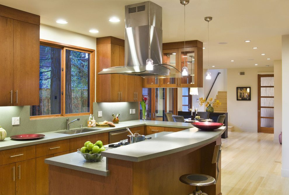 Center island range hood 4 types of kitchen range hoods for Center island kitchen ideas