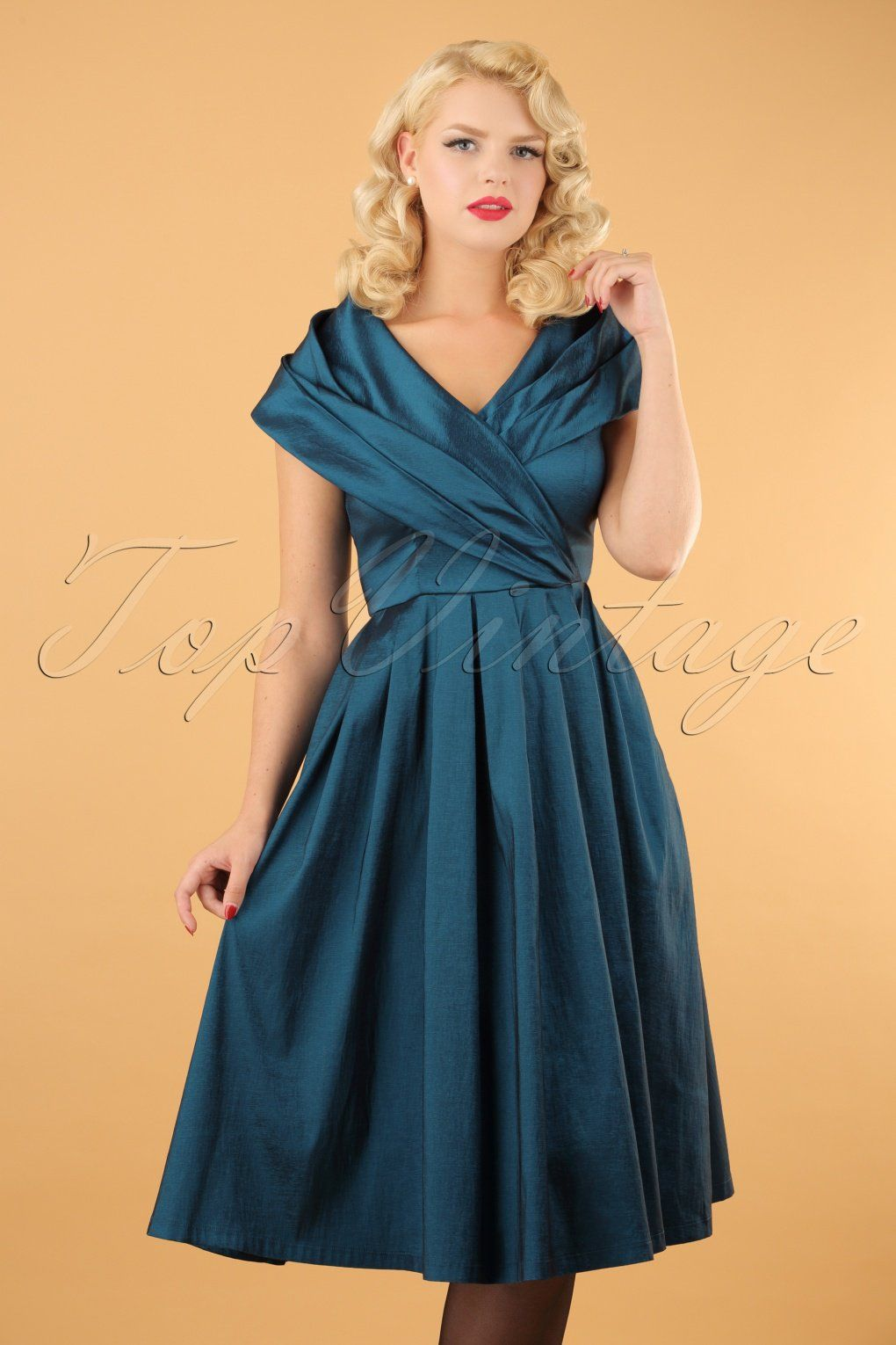 Dieses 50s Amber Swing Dress in Midnight Blue ist ein zeitloser ...