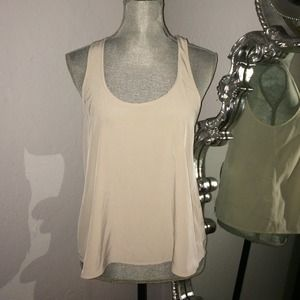 I just discovered this while shopping on Poshmark: Topshop Top Size 6 US. Check it out!  Size: 6