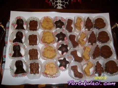 Novogodišnje praline Novogodisnje praline sa tri vrste cokolade