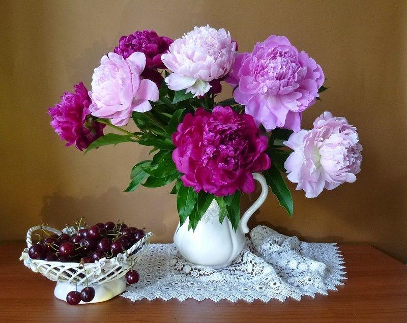 Фото вазы с пионами