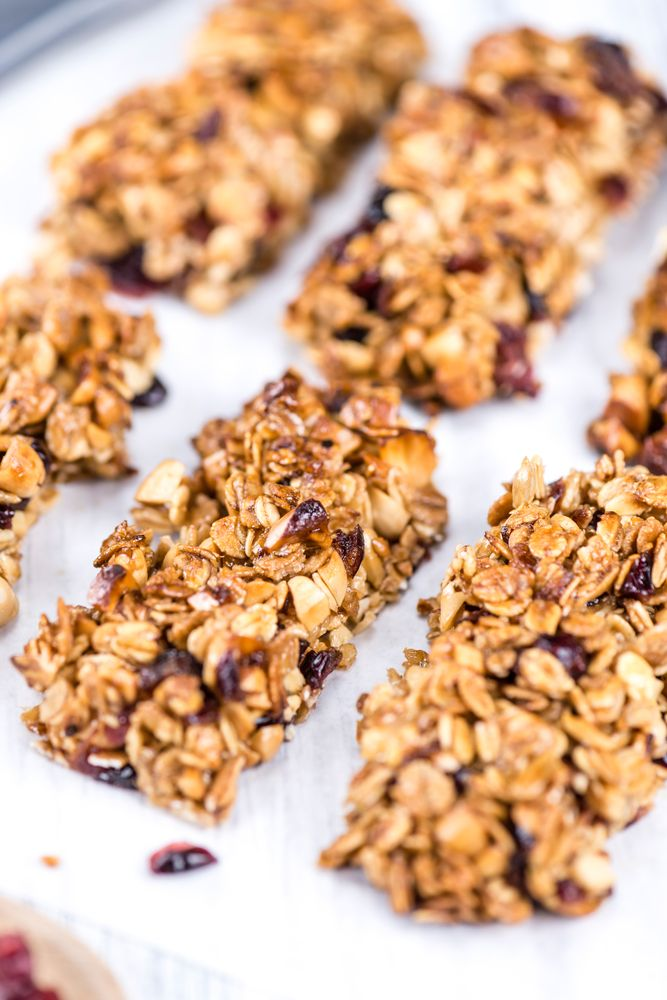 Healthy-breakfast-bars Via The Health Orange