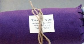 Carlyle House Norcross, Ga...Blankets are a great idea for favors that they can use during the outside ceremony!