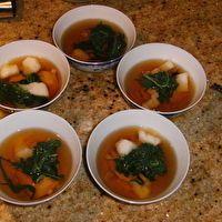 Ozoni (New Year's Mochi Soup) by Lee-Ann