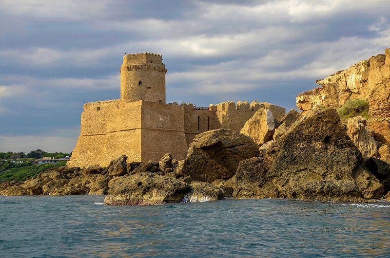 Le Castella Castelli