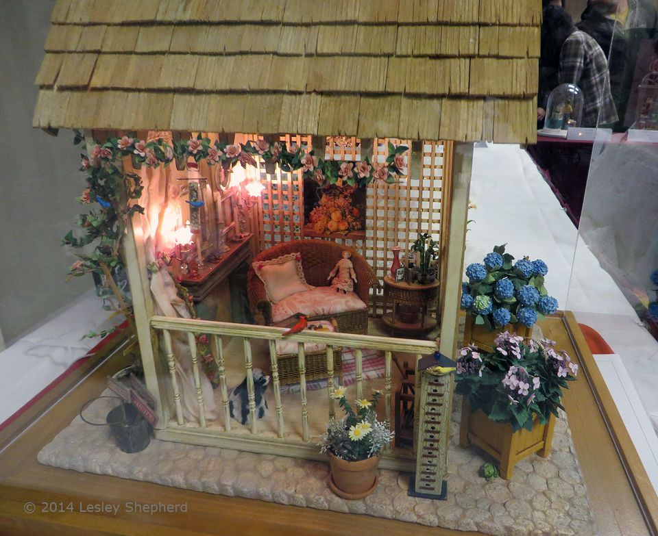 Free printables to make model and dollhouse miniatures