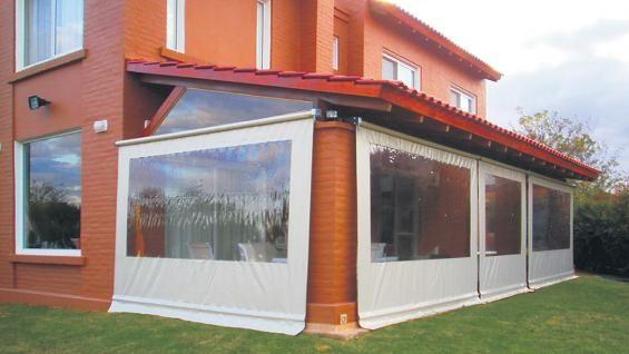 Cerramiento de lona una soluci n para ganar espacio for Cortinas para terrazas exteriores