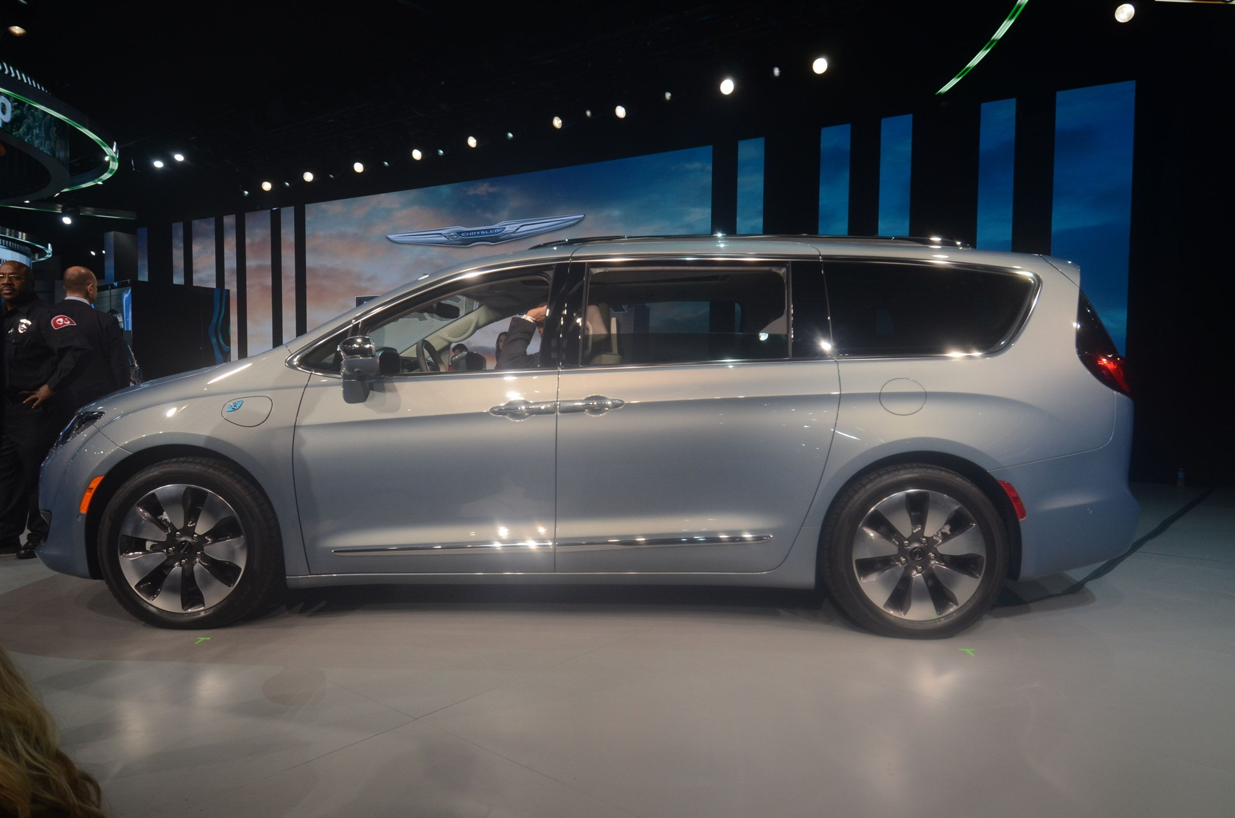 2017 Chrysler Pacifica Chrysler Pacifica Chrysler Pacifica 2017 Reliable Cars