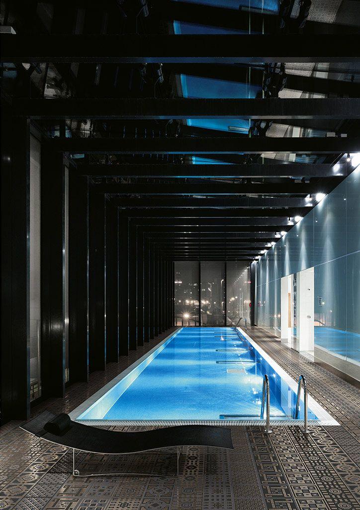 Piscinas interiores piscinas y spa pinterest piscina - Cristales para piscinas ...