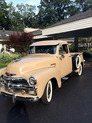 1953-Chevrolet-Thriftmaster-Pickup