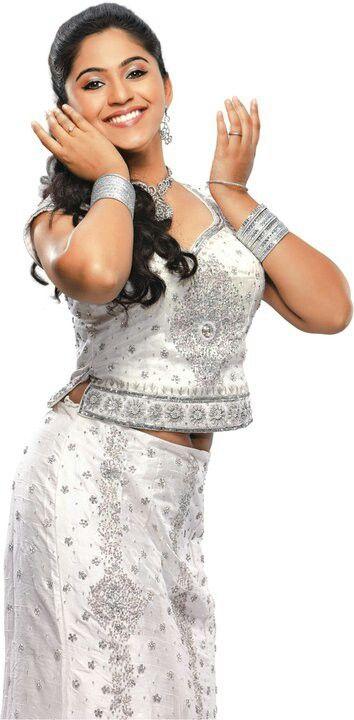 Mrunmai Marathi Actress Glamour Fashion Design Clothes Village Girl