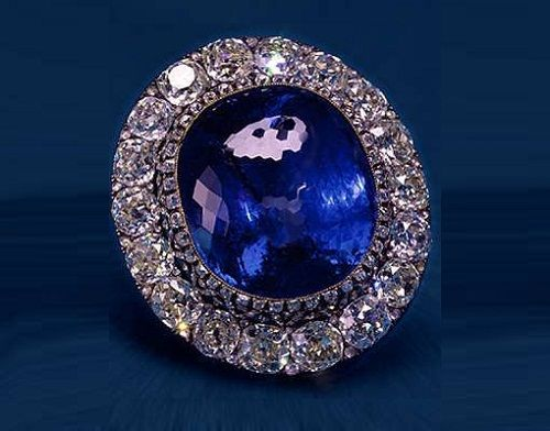 260 carat Ceylon sapphire (set in a diamond brooch) acquired by Tsar Alexander II at the 1862 World Exhibition in London as a gift to his wife, Empress Maria Alexandrovna.