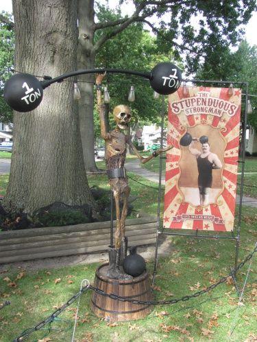 2016 Yard Haunts-img_2016jpg que chucho Pinterest Yards - circus halloween decorations