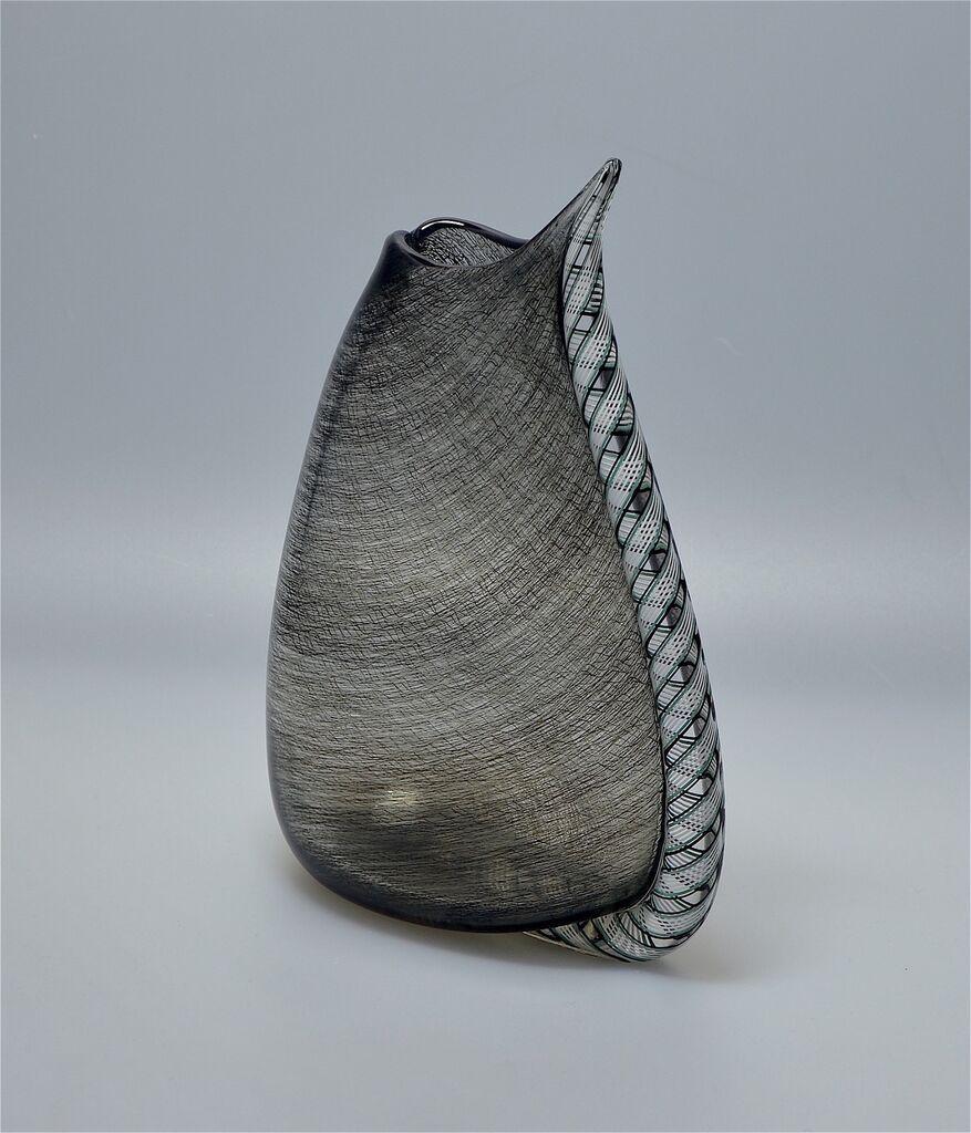 Michael Hunter for Twists Glass black merletto wedge vase http://www.scarabantiques.com/michael-hunter-for-twists-glass-black-merletto-wedge-vase/999