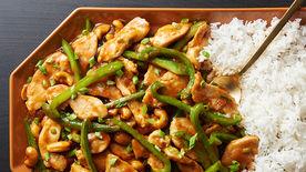One-Pot Creamy Garlic Chicken and Rice #creamygarlicchicken One-Pot Creamy Garlic Chicken and Rice Recipe - Tablespoon.com #creamygarlicchicken
