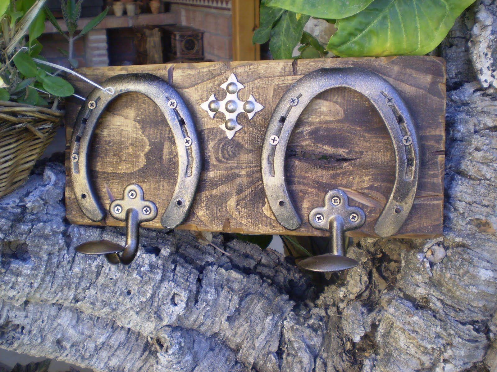 Artesan a la toscana octubre 2010 herraduras - Percheros de madera rusticos ...