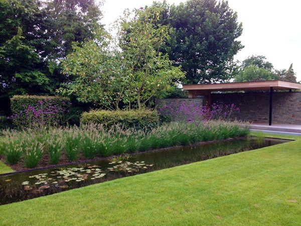 Tuin, ontwerp en aanleg door Puur groenprojecten.  Snoei en onderhoud door Artgreen.