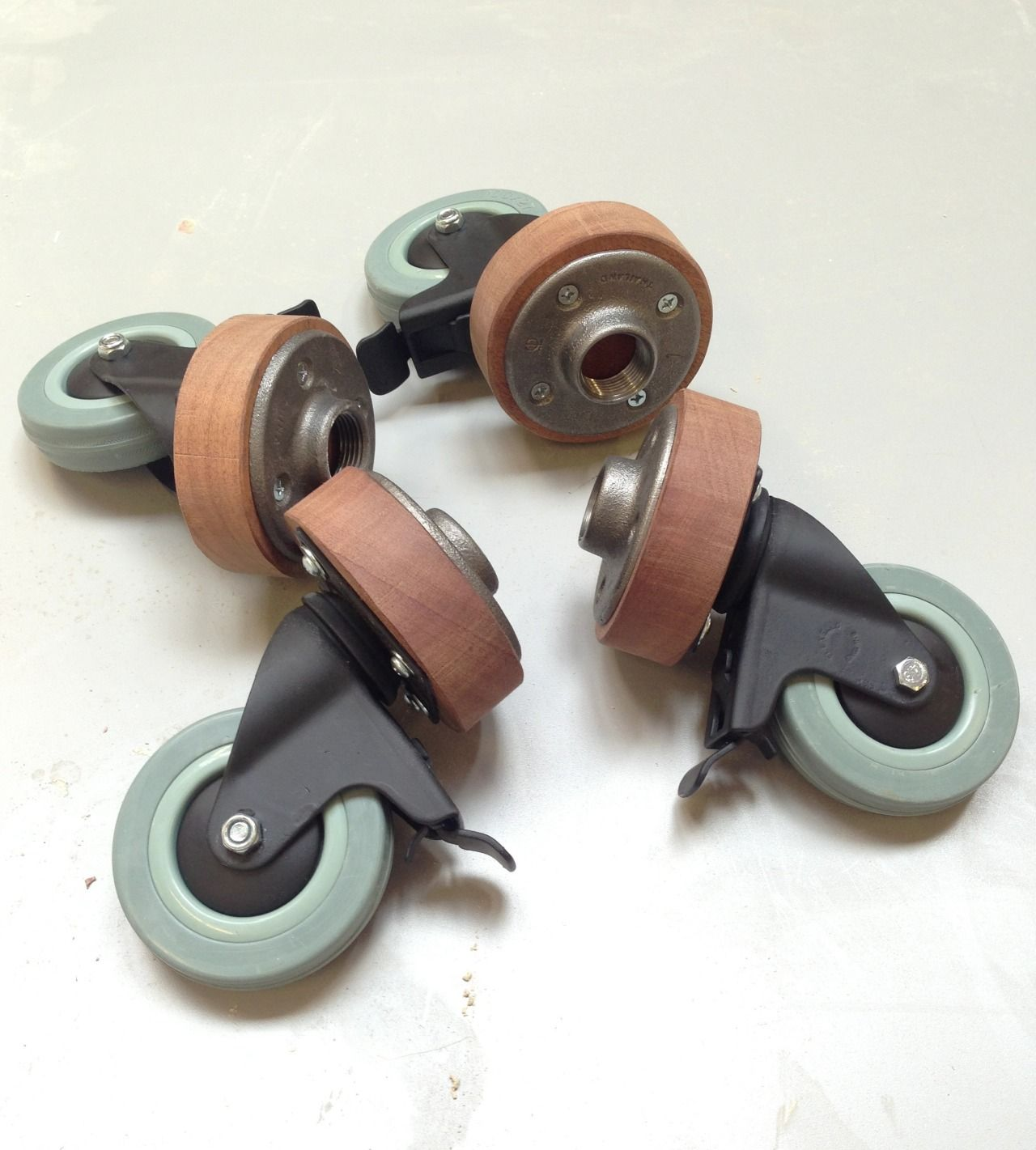 Pipe Floor Flange Mod To Attach Casters For Mobility. Can Be Used For Tables ,