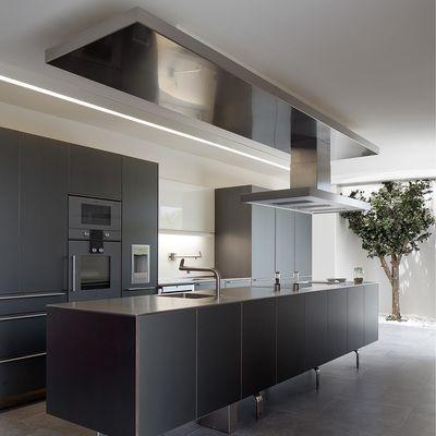 Chalet en canal park cocina negra moderna cuisine kitchen pinterest kitchen design - Cocina canal sur ...