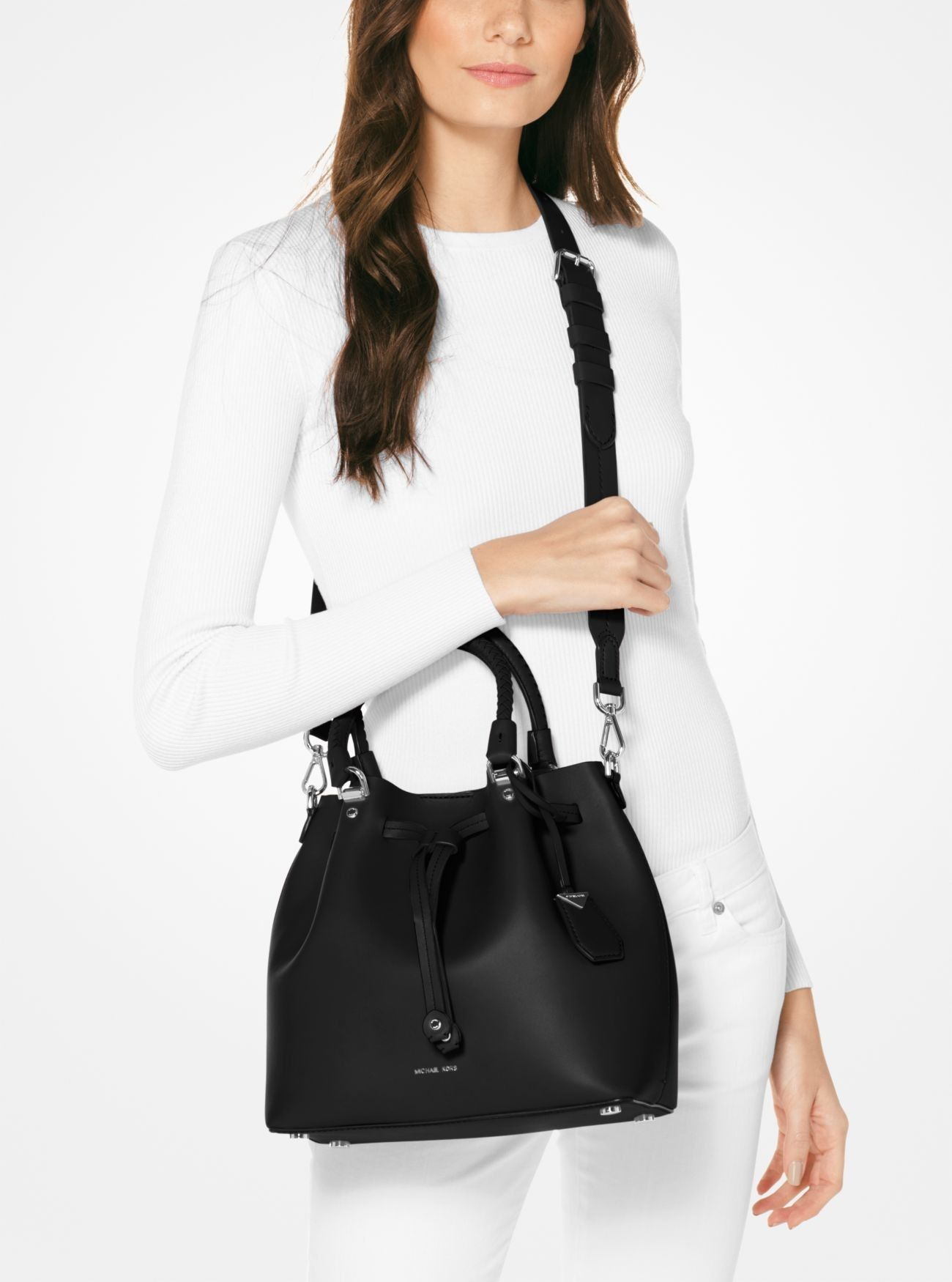 59be0a63c594 2019 的 Online Michael Kors Black Blakely Leather Bucket Bag Sellers ...