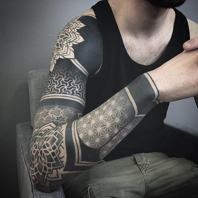 WEBSTA @ effedots - full arm completed. thank you Gigi. #tattoo #blackwork #tattoos #tattooart #tattooed… | Geometric sleeve tattoo, Tattoos, Geometric tattoos men