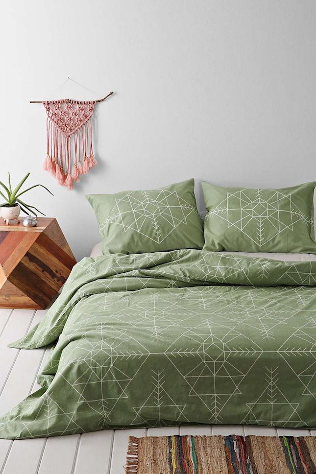 12 Ways To Decorate With August S Birthstone Peridot Brit Co Duvet Covers Urban Outfitters Green Duvet Covers Green Duvet
