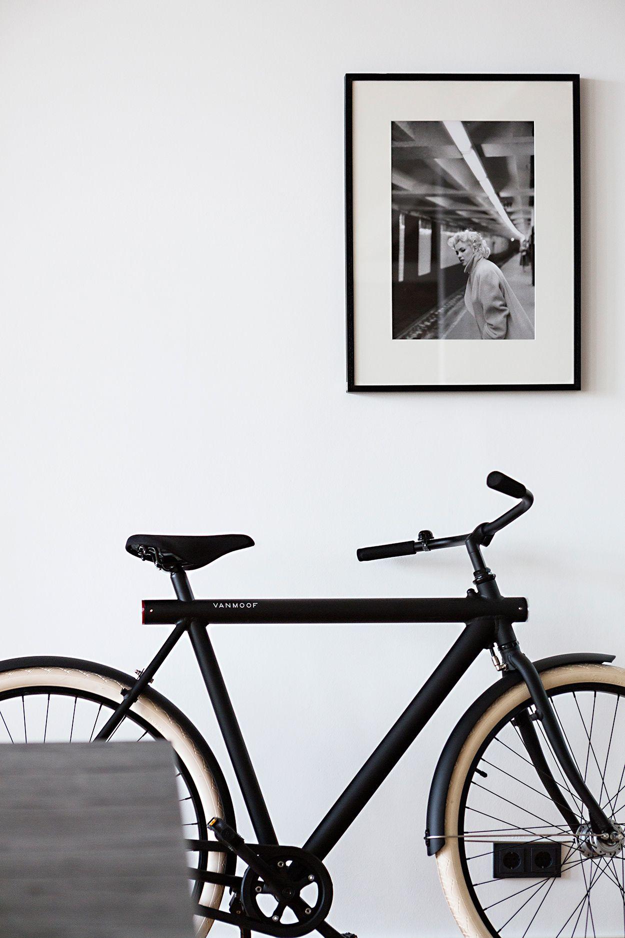 Vanmoof bicycle Berlin penthouse Charlottenburg interiordesign ...