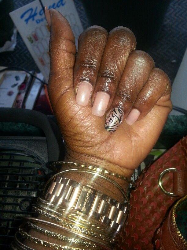 Neutral nails!!