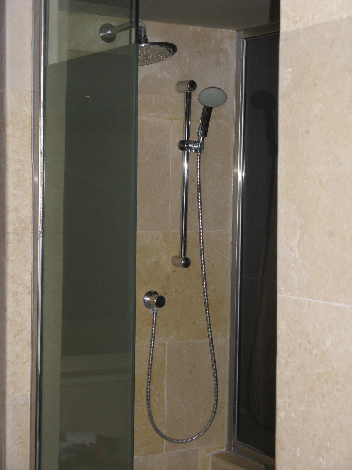 http://walkinshowers.org/best-handheld-shower-head-reviews.html ...