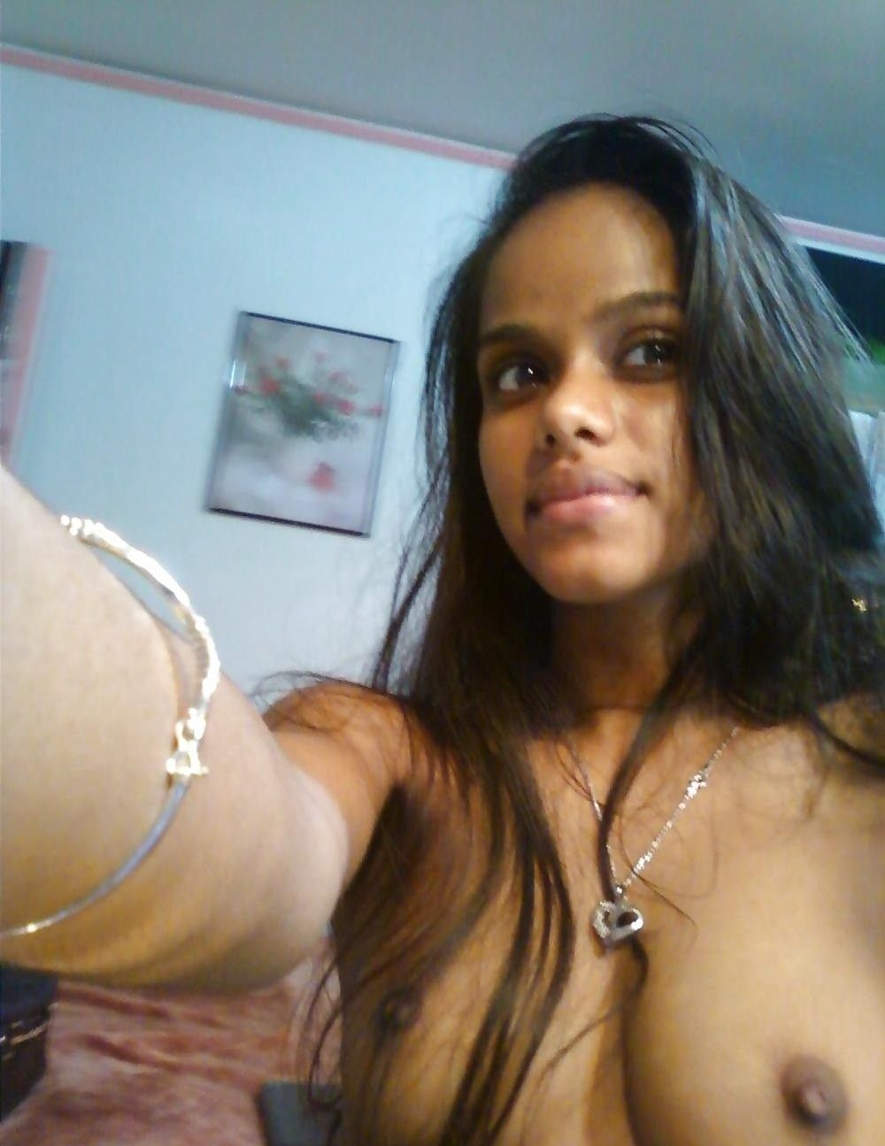 Indian teen selfie nude