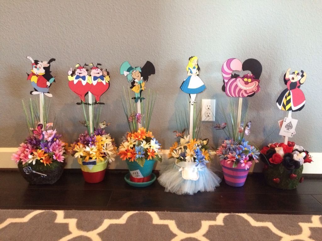 alice in wonderland centerpieces party ideas pinterest