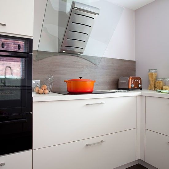 White Gloss Kitchen With Glass Extractor Fan Kitchen Decorating