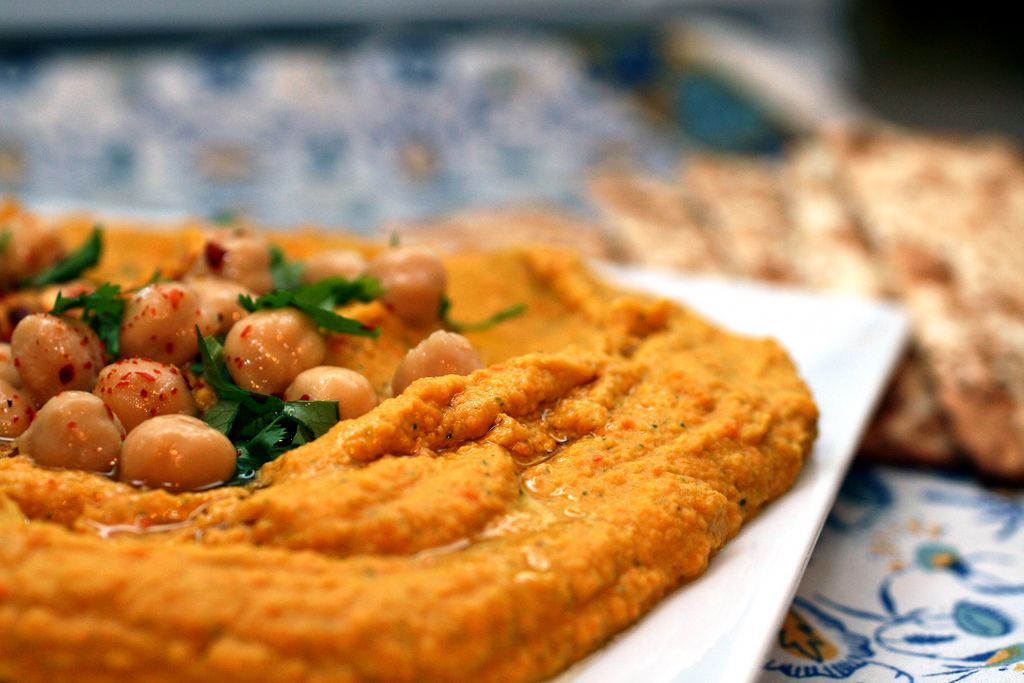 harvest hummus made with carrots, chickpeas and cilantro
