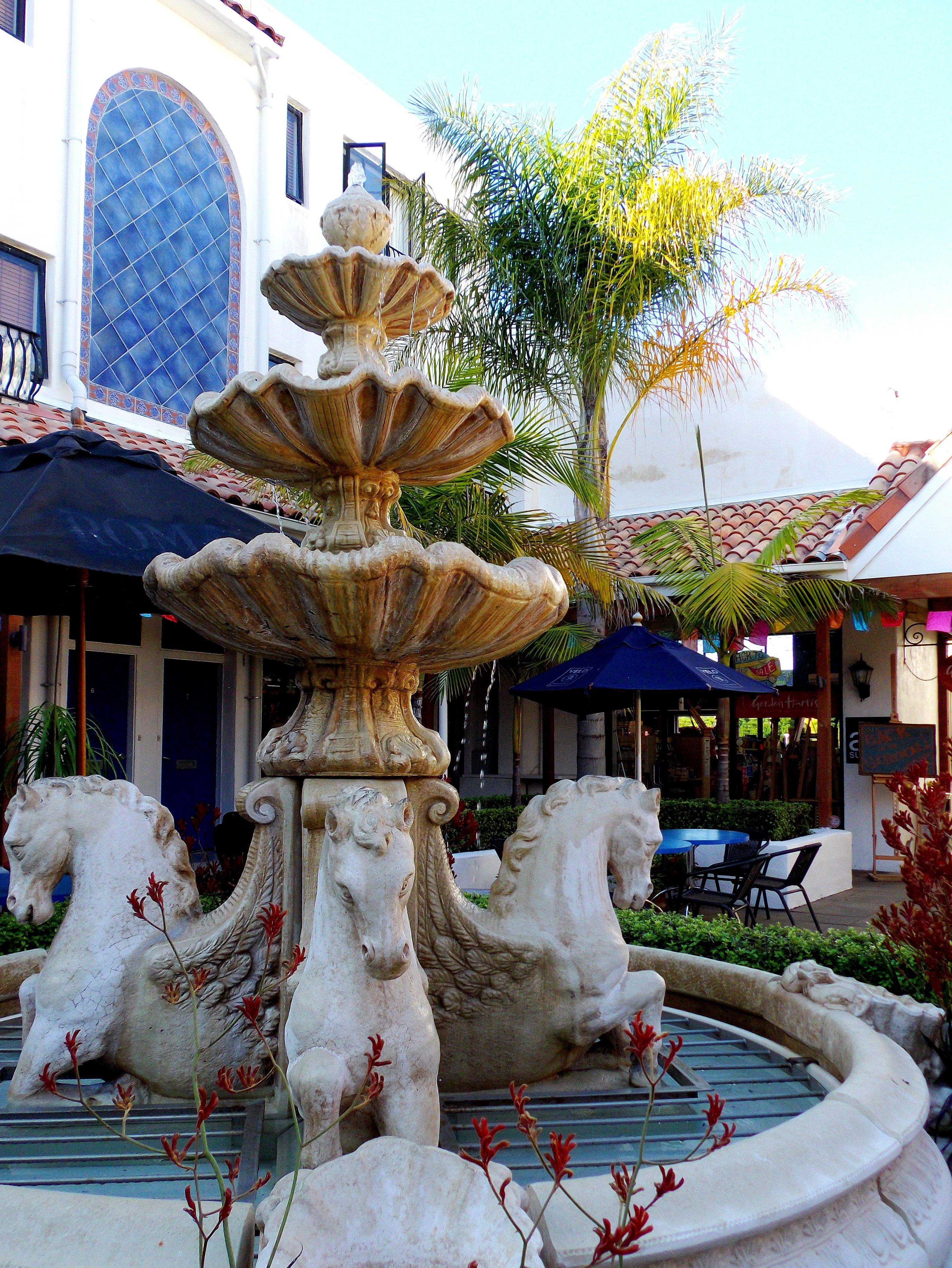 89486e369406feff6155c3c5011843f4 - Hamilton Gardens New Zealand Alice In Wonderland