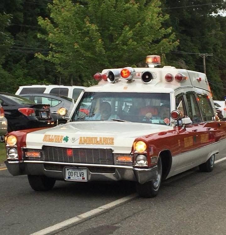 Pin By Bob Riegel On Ambulances