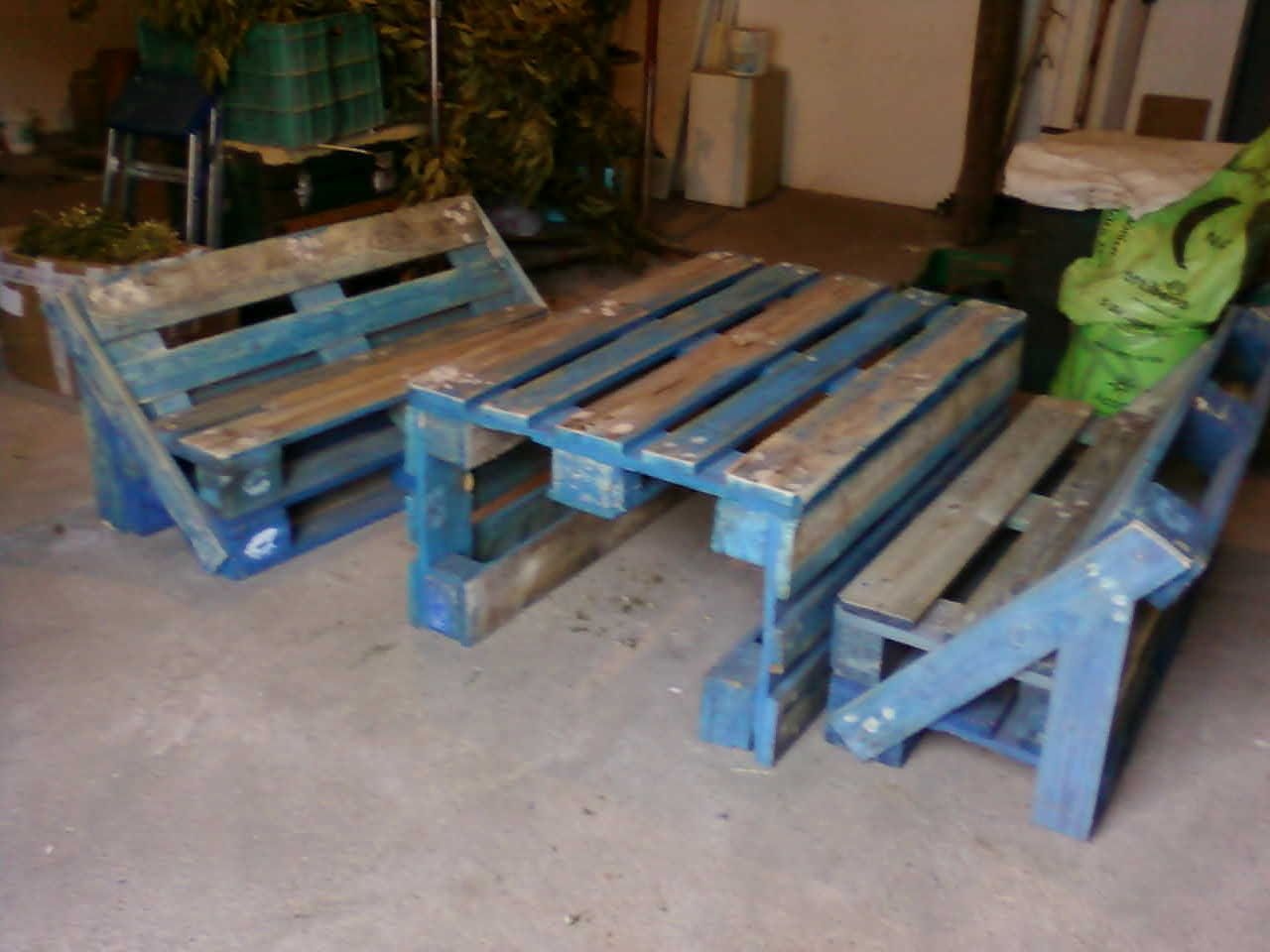 Palets artesania tina vicho muebles de palets para for Muebles para jardin