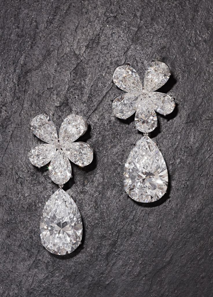 Graff Pear Shaped Diamonds To Make The Fl Top With A Large Drop