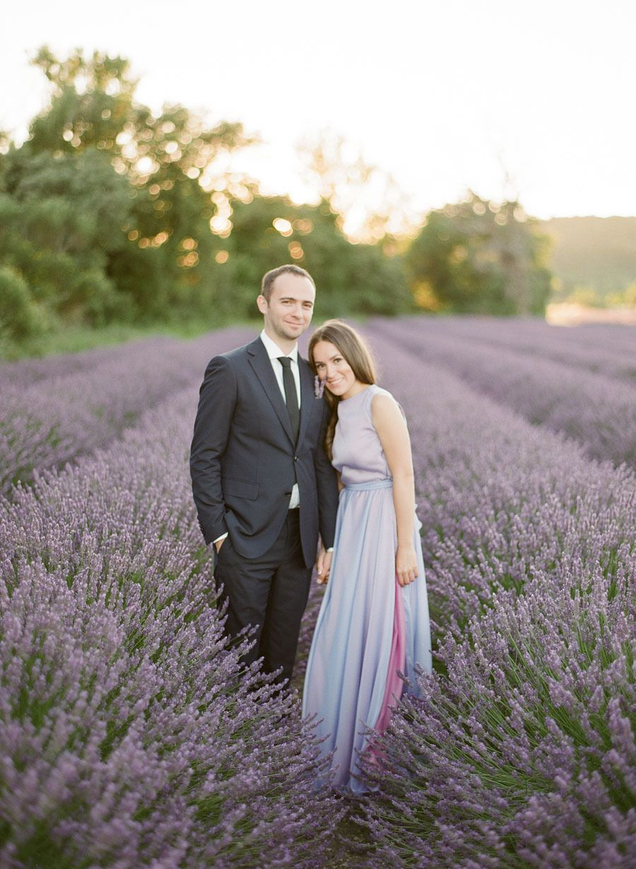 A provence engagement session in fields lavender provence