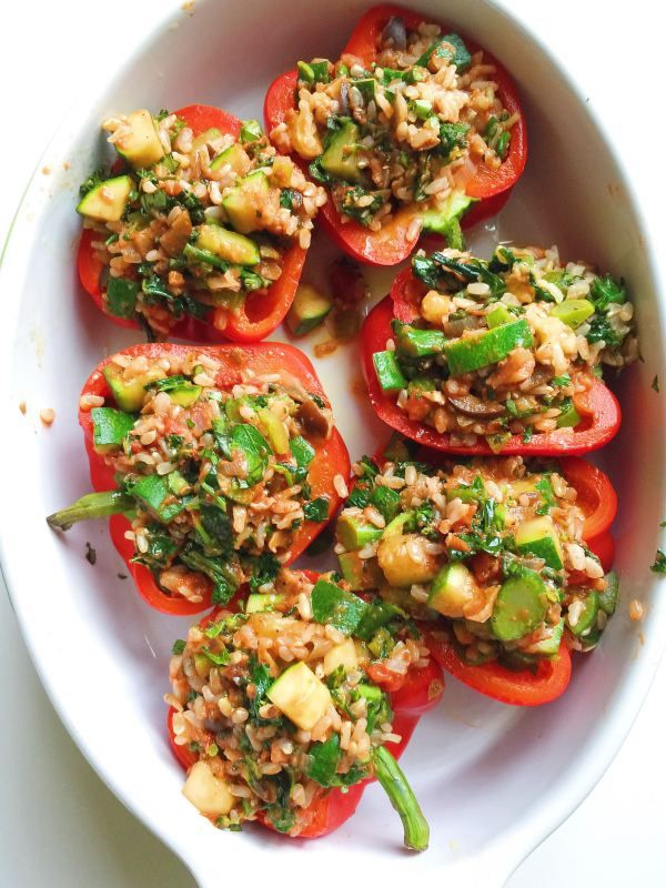 Pin By Parsnips Pastries On Yumm Vegan Vegetarian Raw Italian Stuffed Peppers Stuffed Peppers Vegetarian Recipes Easy