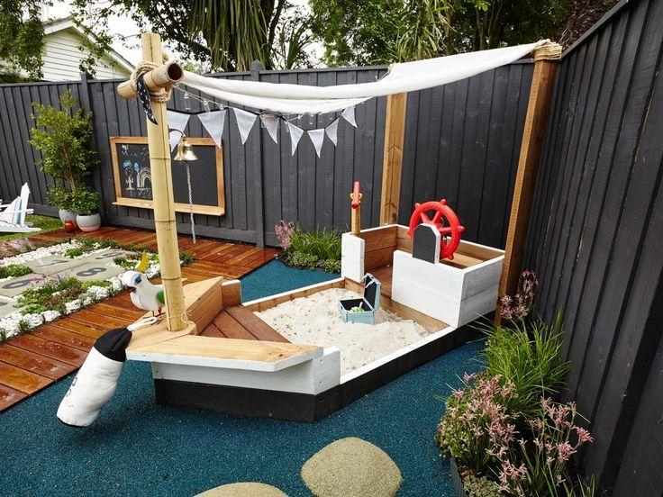 Sandkasten Piratenschiff Selber Bauen Anleitung Garten Gestalten Spielplatz Gart In 2020 Play Area Backyard Backyard For Kids Backyard Play