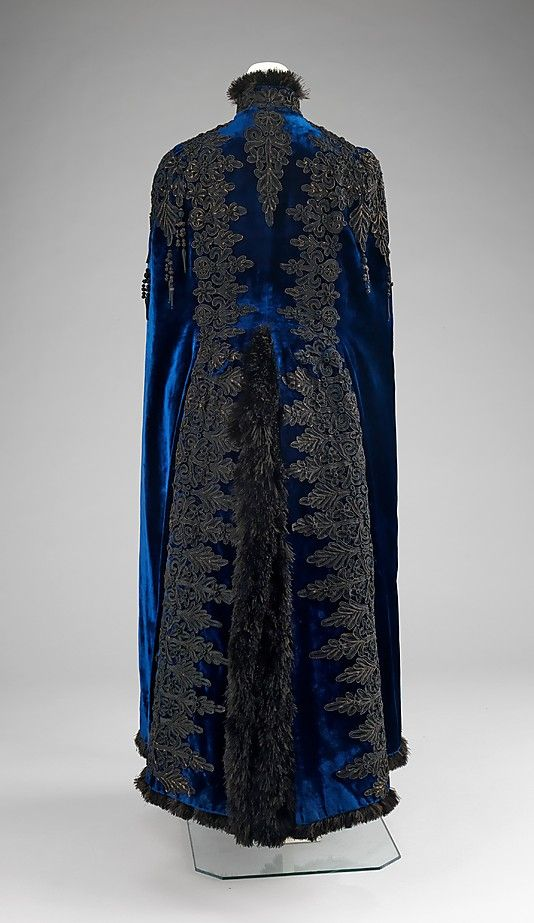 Silk evening cape by Emile Pingat (French, active 1860-96), 1885-90. Brooklyn Museum Costume Collection at The Metropolitan Museum of Art