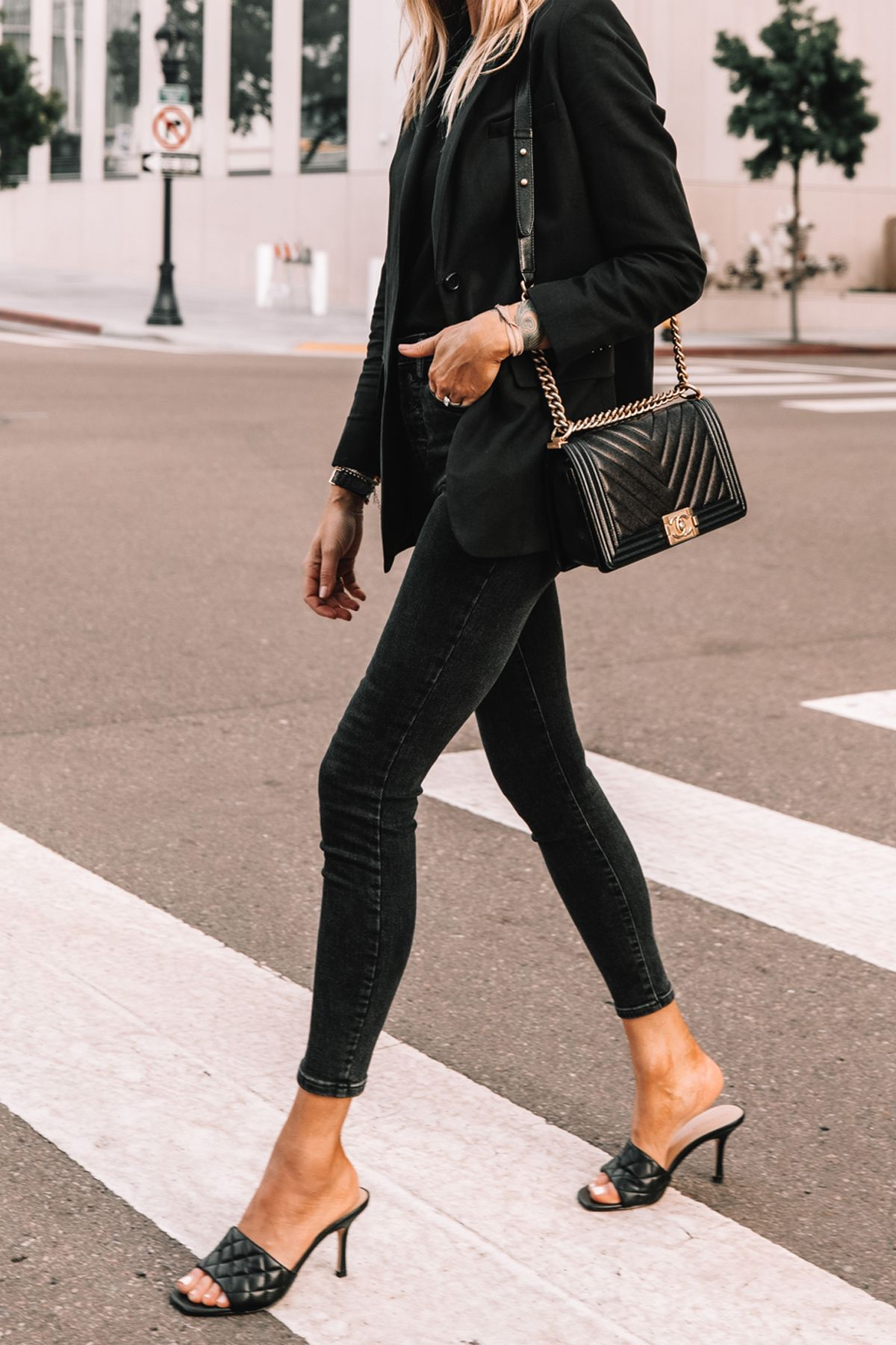 All-Black Everlane Outfit | Cotton-Linen Boyfriend Blazer + High Rise Skinnies | Fashion Jackson -   23 fall outfits 2020 for black women ideas